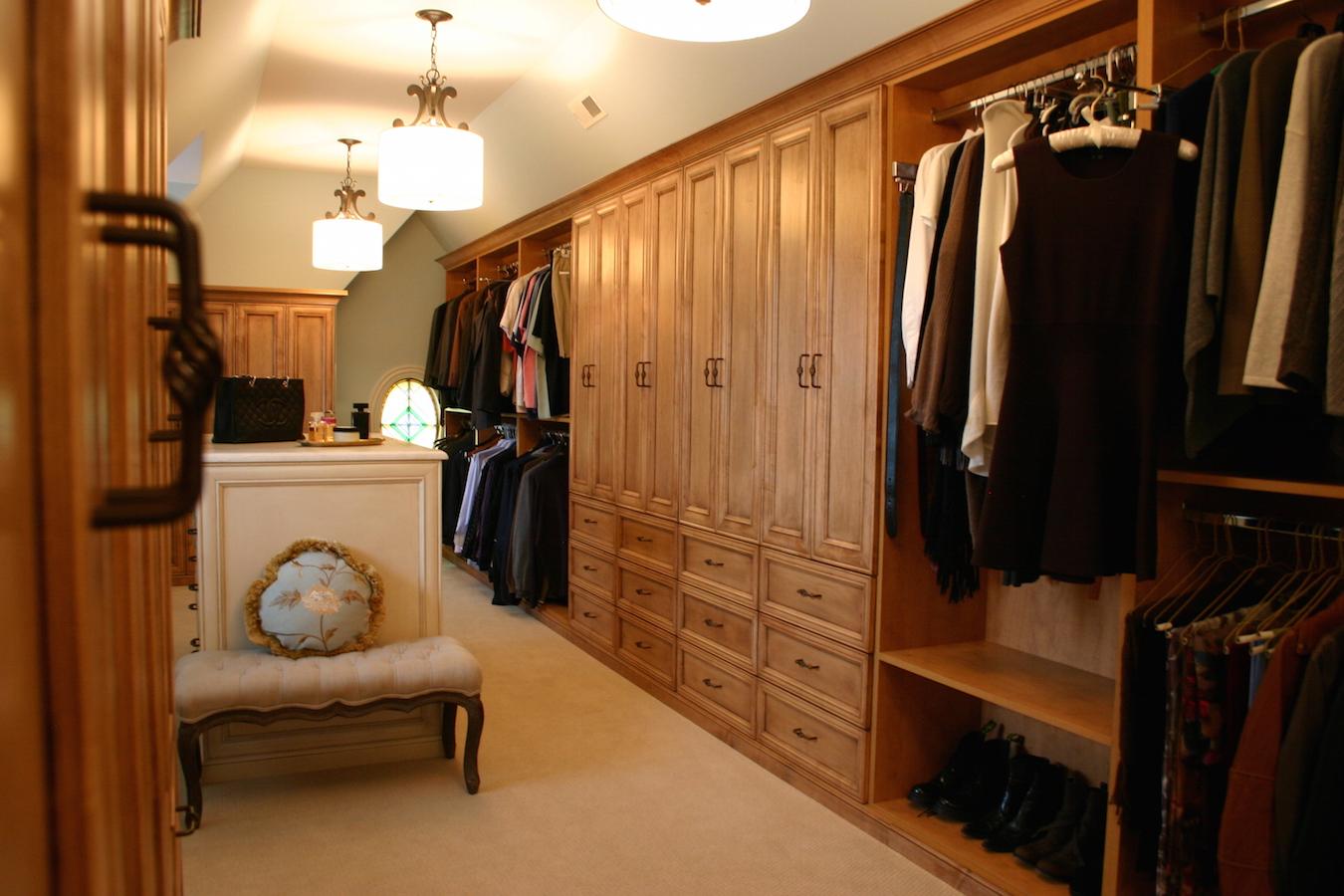 Custom Walk-In Closet 3